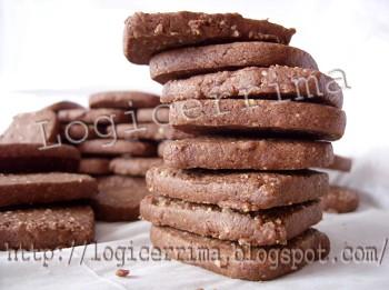 [ Biscotti facili con Pinoli e Cacao ]