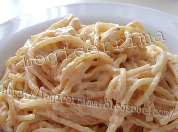 [ Spaghetti alla Crema di Salmone Affumicato ]