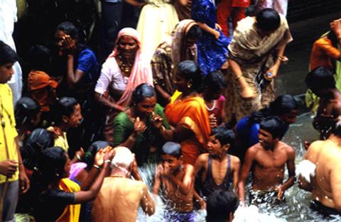 India del sud - Bagno purificatore ...