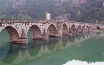 Bridge _n Drina river