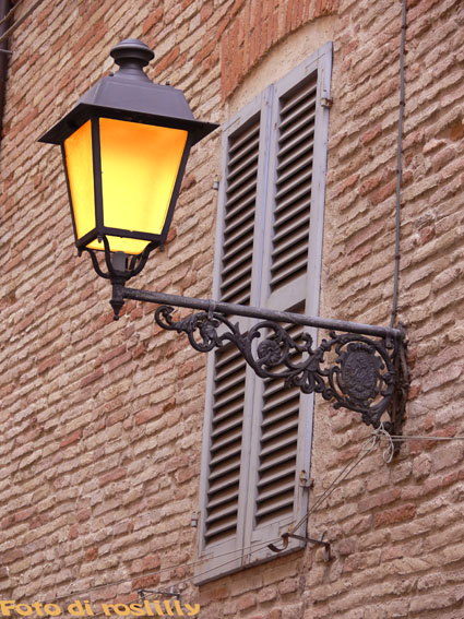 Antico lampione su FOTOGRAFARE