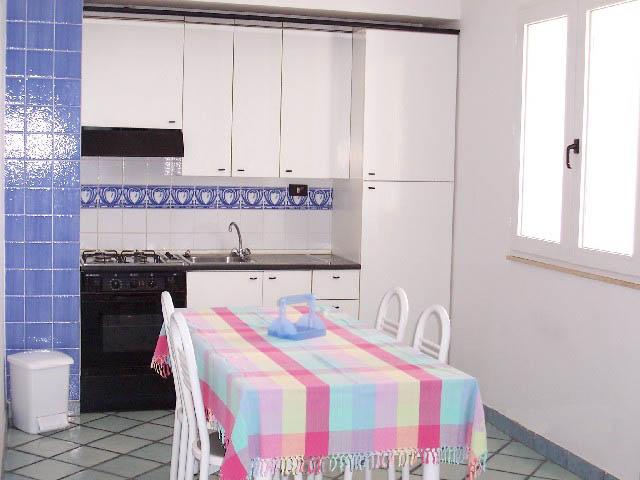 Case e appartamenti sul mare in sicilia for Cilia arredamenti
