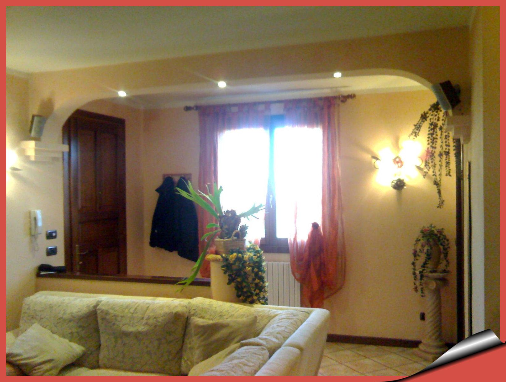 ingresso con cartongesso : Realizzazione, in cartongesso, di divisorio a soffitto tra cucina e ...