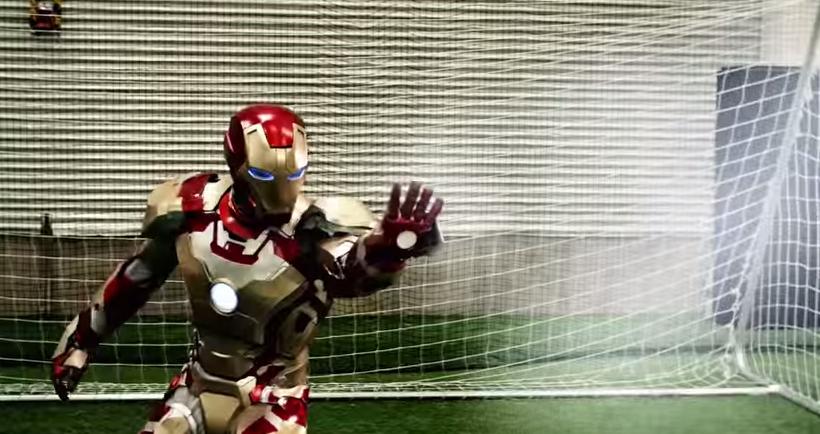 Una Partita Di Calcio Giocata Tra Supereroi? Un'idea di un Movie Maker!
