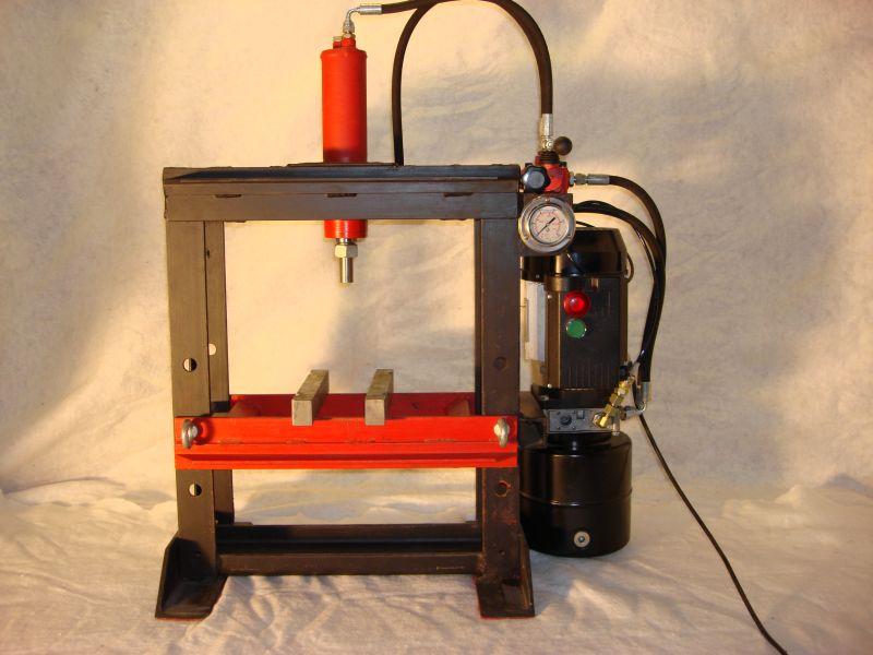 Costruire pressa idraulica idee di design per la casa for Pressa idraulica fai da te