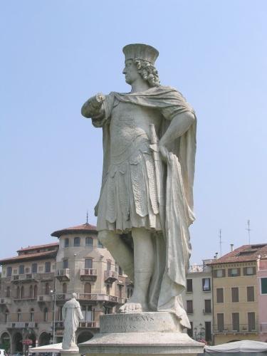 Statua di Francesco Morosini, il Peloponnesiaco, doge di Venezia - Prato della Valle (PD)