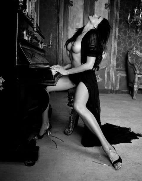 http://digilander.libero.it/dea_erotica/sexy105.jpg