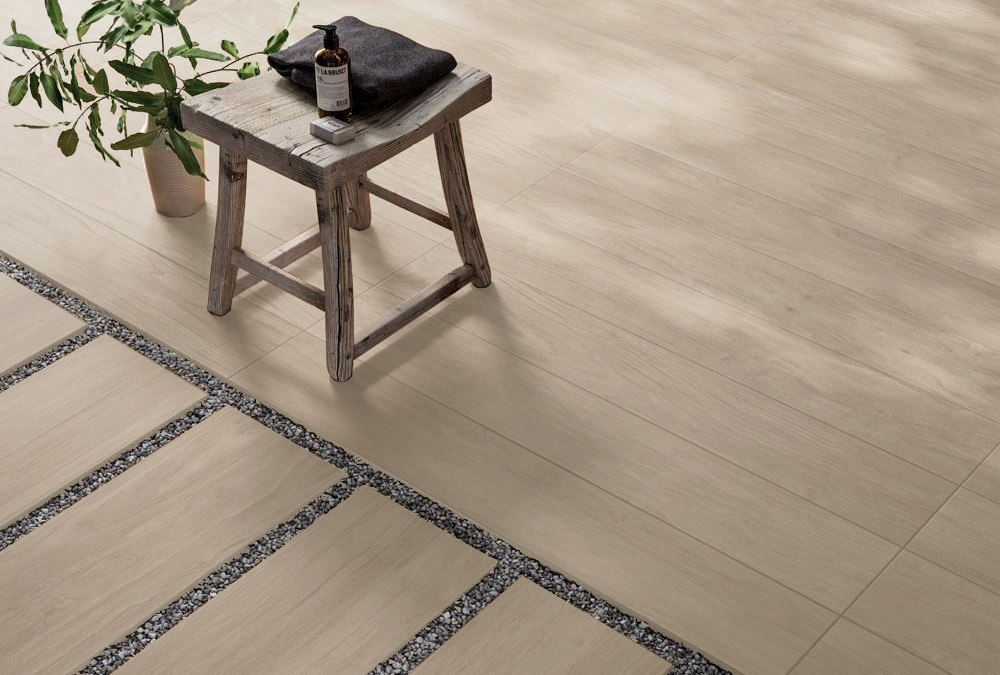 Pavimento esterno panaria chic wood gres effetto legno milk 20x120