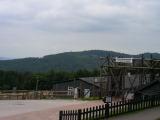 Di nuovo tra i colli dei Vosgi. A nord di Ribeauvillè troviamo il campo di concentramento di Schirmeck-Labroque