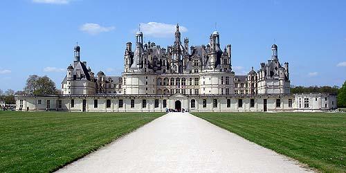 Associazione legittimista trono e altare il triste for Case del castello francese