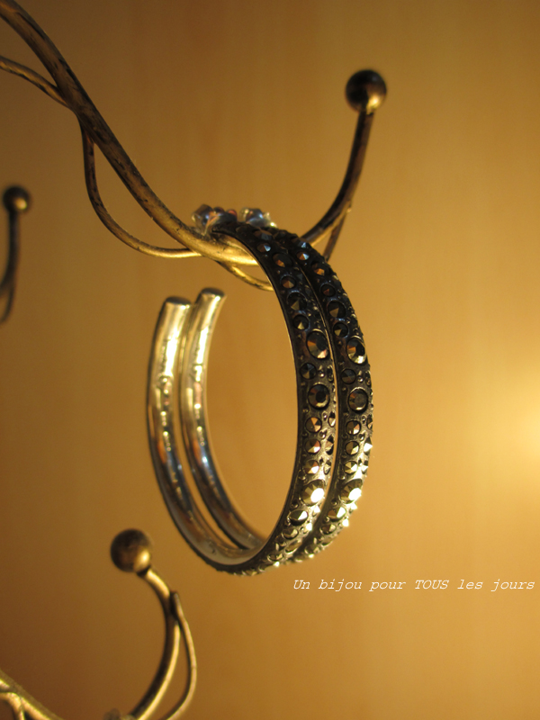 http://digilander.libero.it/gufogiulio/Pomellato%2067%20-%20Hoop%20earrings/14.jpg
