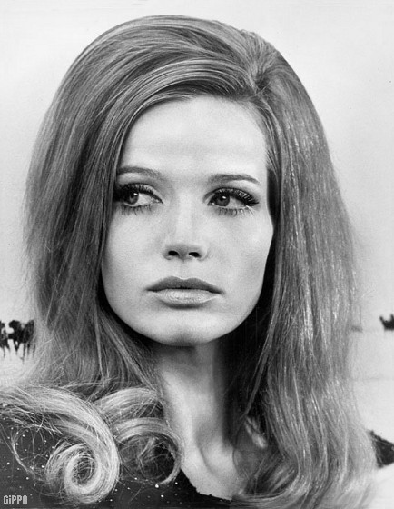 Hairstyles In The 60s : Hair Style vintage 60s & 70s ? Girls & women hairdo 1960 & 1970