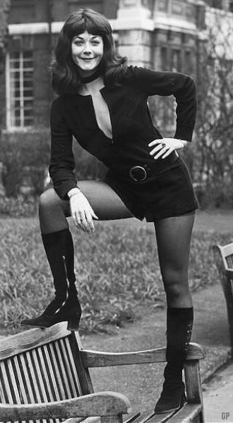 UK 1970 Linda Thorson 9658