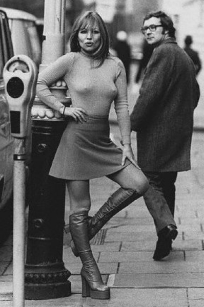 Miniskirts years 60s 70s • 2 • Girls sixties   seventies images ...