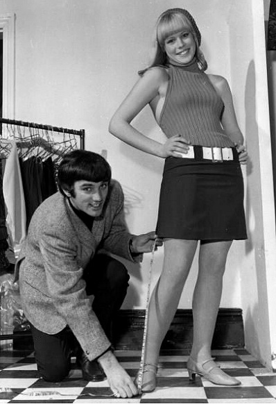 Miniskirts years 60s 70s • Minidress pictures gallery ...