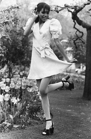 Mary Quant • Swinging Sixties • Miniskirts pictures years 60's ...