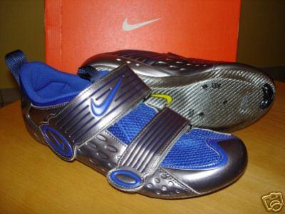 Sono commosso  non cerebralmente ma moralmente non ho parole  ) Da tempo  stavo notando che le scarpe da bici per triathlon a30af405463