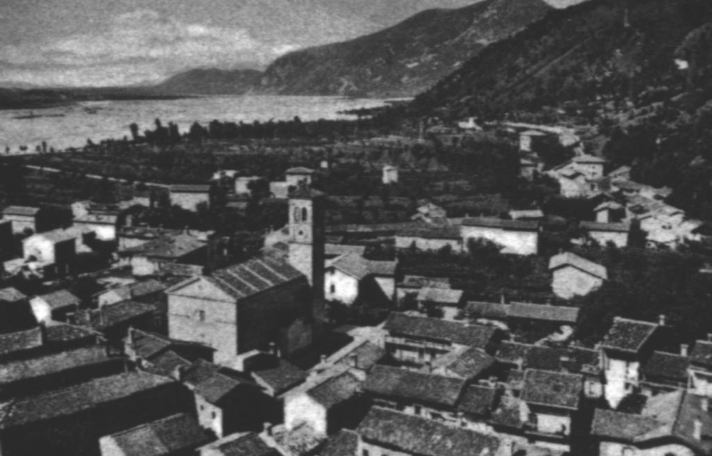 Braulins nel 1963 panoramica del paese vecchio presa dalla collina