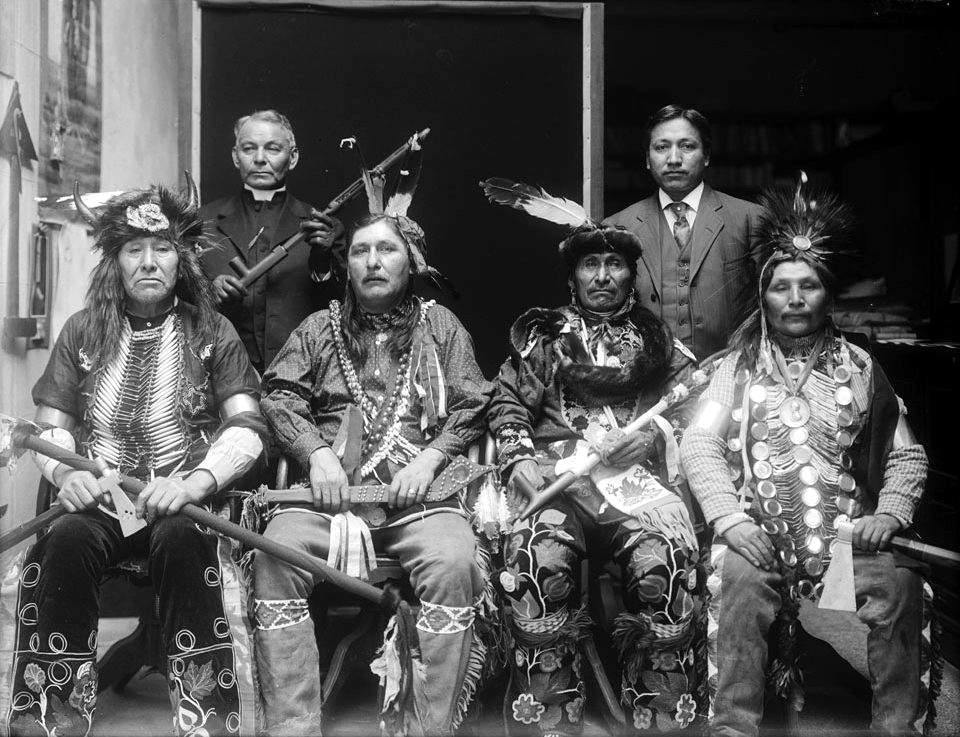 Ojibwe-Men-1911.jpg