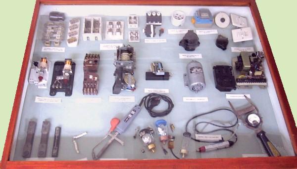 """Aula storica - Componenti elettromeccanici """""""