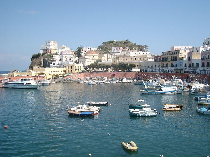 Ponza - Veduta del porto