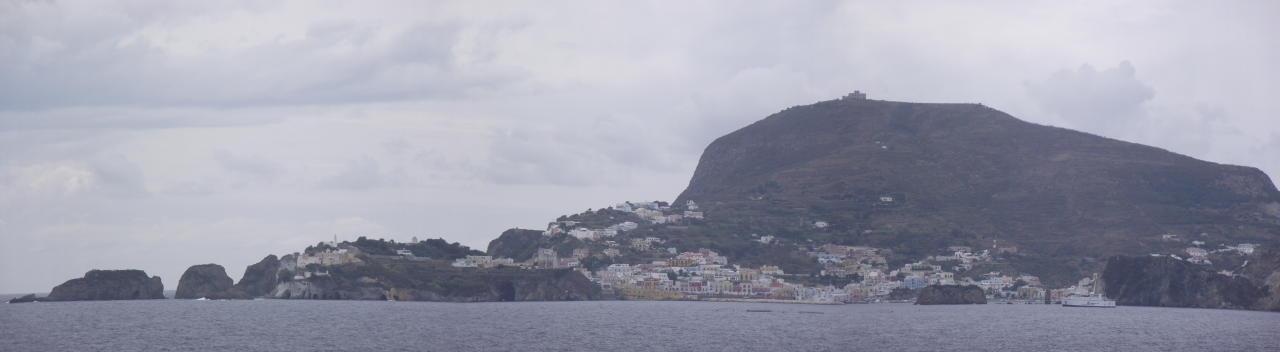 Isola di Ponza: veduta panoramica