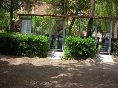 Raccolta domiciliare dei rifiuti a colli aniene roma - Giardino condominiale ...