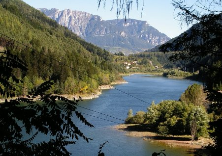 Lago di Stramentizzo (digilander.libero.it/littleredlions)