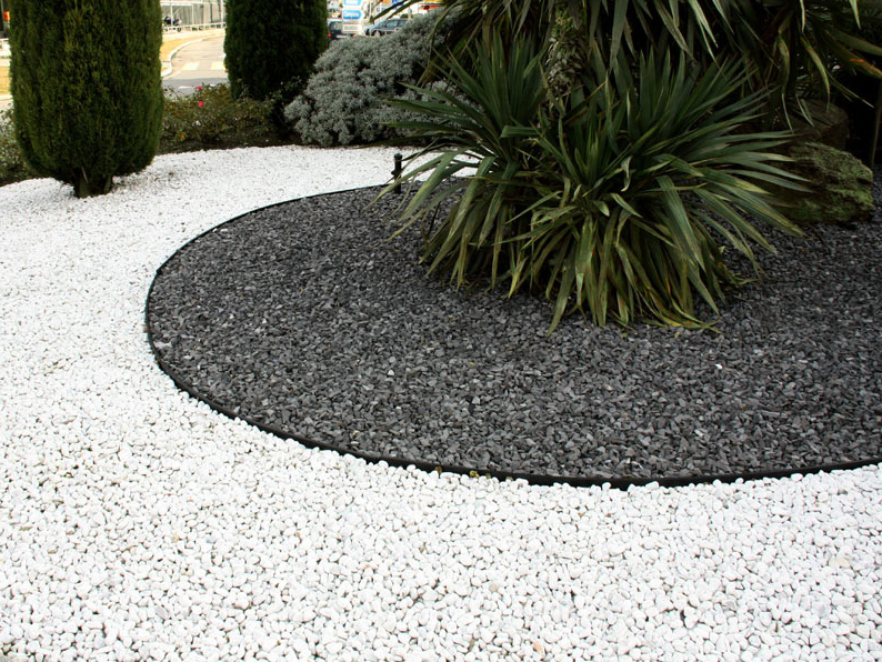 4 sacchi da 25kg graniglia di marmo nero ebano 8 12mm for Giardini decorati con sassi