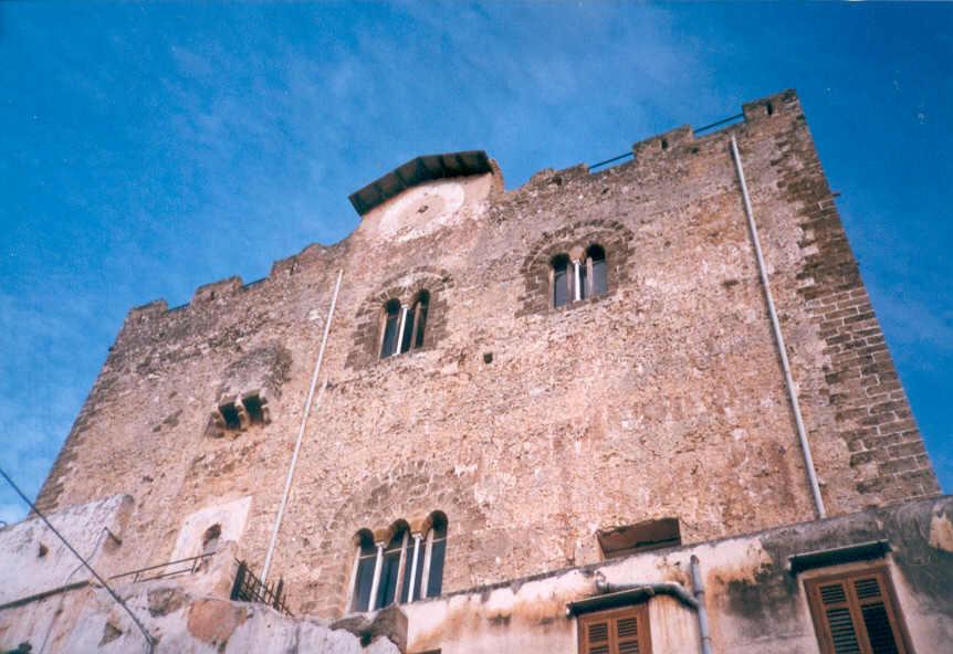 La torre ventimiglia montelepre for Facolta architettura palermo