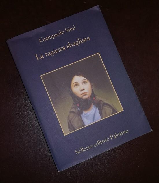 """Recensione libro \""""La ragazza sbagliata\"""" di Giampaolo Simi"""