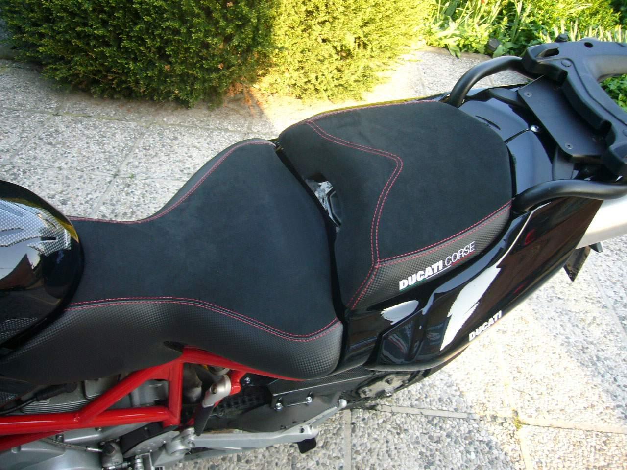 Housse de Selle Kymco Xciting 300//500 Noir-Couture Rouge-Logo Blanc