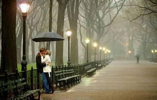 Ragazzi che si baciano - Foto tratta dall'album di nitida_mente