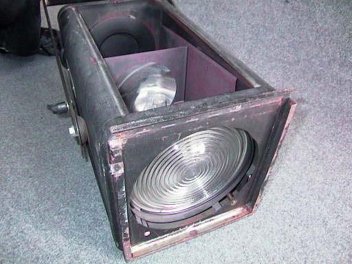 Plafoniere Neon Usate : Lumen lm . e la quantità di luce emessa da una lampada