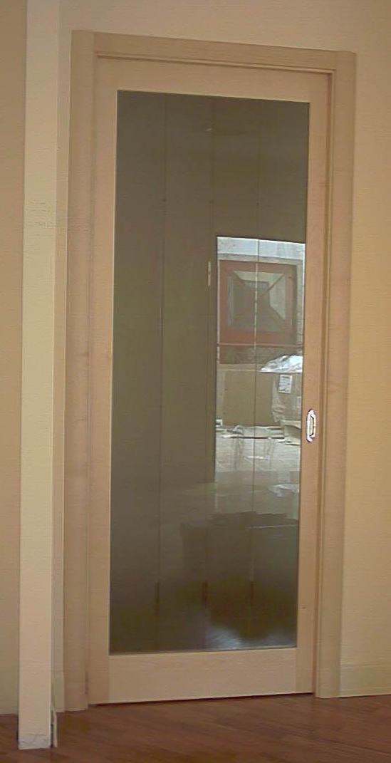 Porta scrigno in legno acero con vetro bisellato satinato