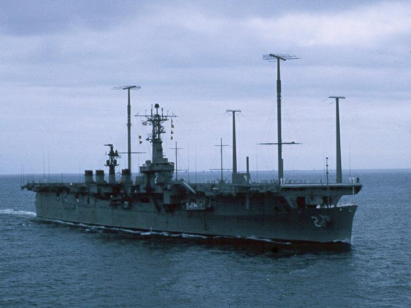 USS Wright (CVL-49) — легкий авианосец США, близнец USS Saipan