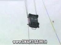 Per chi ama il bungee jumping non puo' perdere questo salto nel vuoto con la Smart VIDEO 900 KB