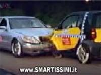 Il crash test della Smart. VIDEO 900 KB