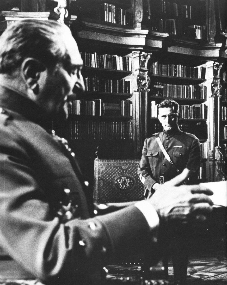 Risultati immagini per orizzonti di gloria film 1957