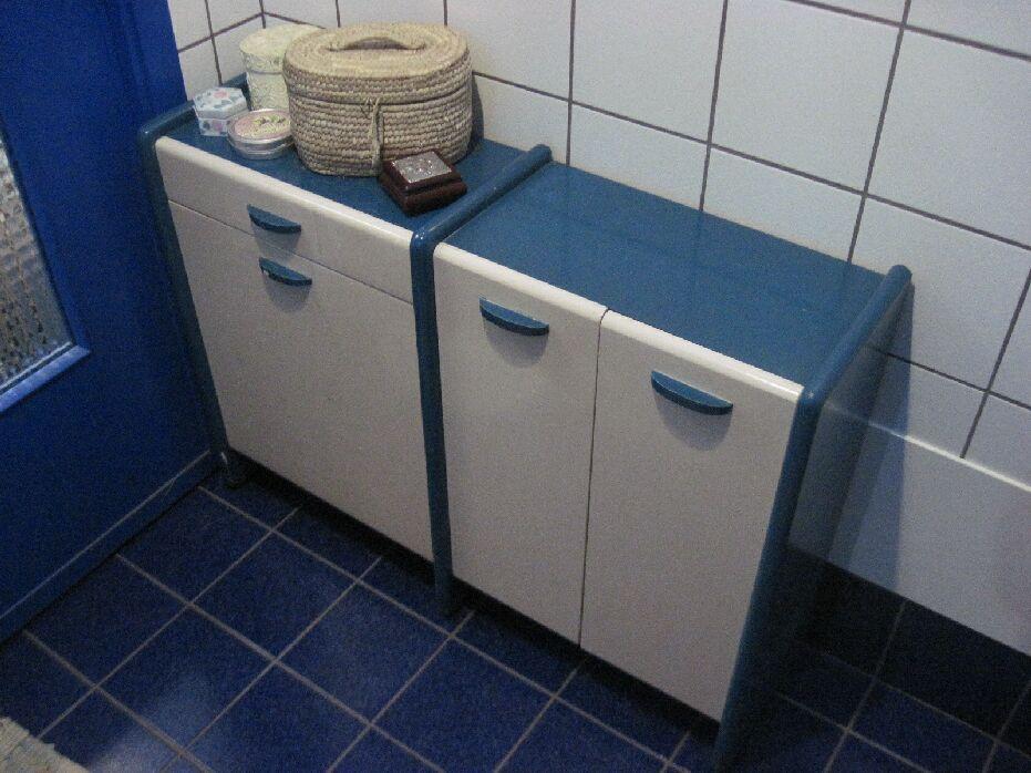Mobiletto per bagno con vano per la biancheria da lavare - Mobiletto bagno da appendere ...