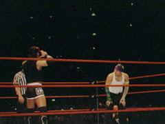 X-Pac mostra a Jeff la maschera di Kane